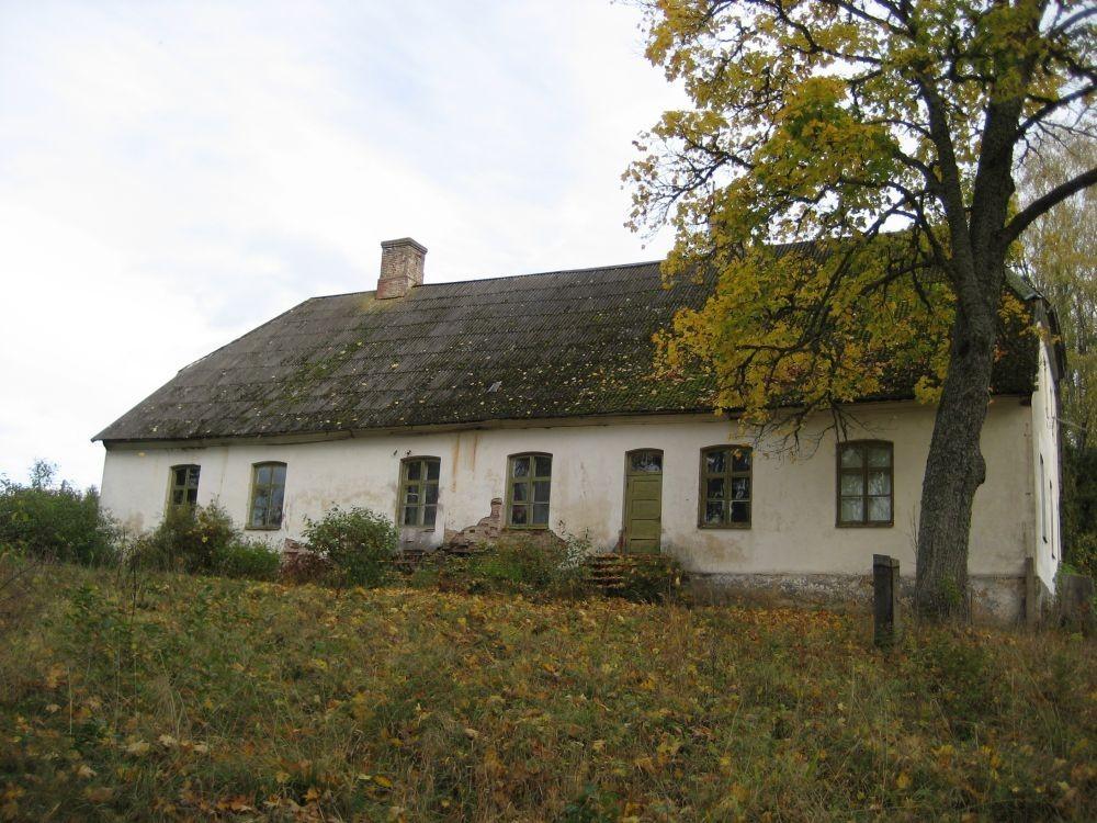 Morna mõisa peahoone tagant  Autor Riina Pau  Kuupäev  03.10.2007
