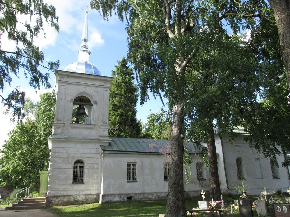 Saatse kirik vahetult peale tornikatuse restaureerimistöid. Foto Kersti Siim, 30.07.2015.