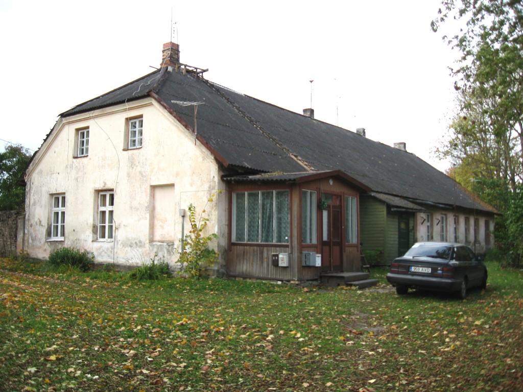 Teenijatemaja  Autor Sille Raidvere  Kuupäev  01.10.2008