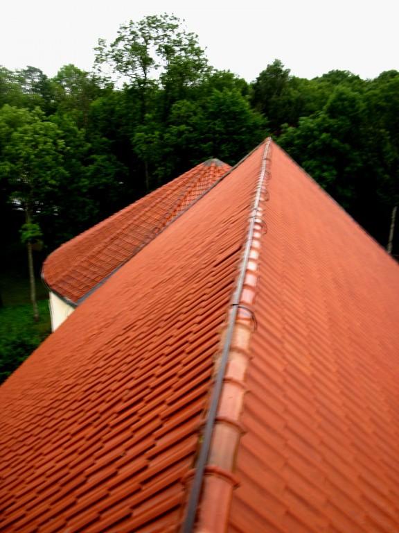 Põltsamaa kirik, vaade pikihoone katusele Foto: Sille Raidvere Aeg: 26.08.2015