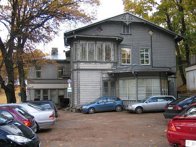 Vallikraavi 10  Autor Egle Tamm  Kuupäev  07.10.2008