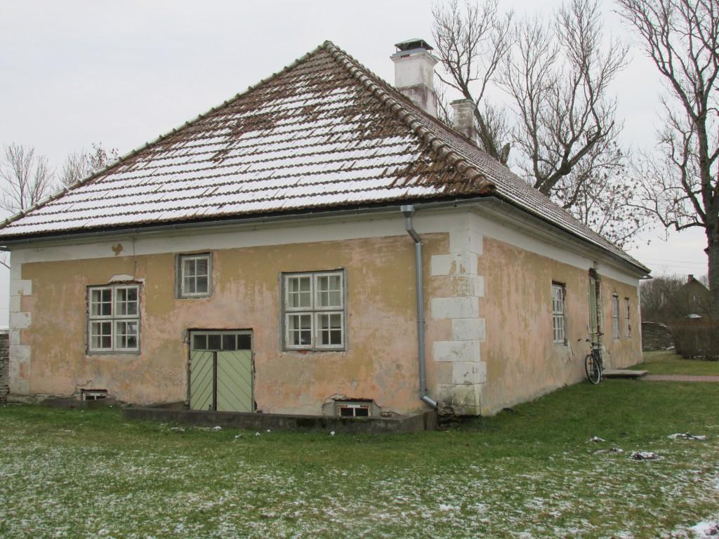 Maidla mõisa teenijatemaja, ,18.saj. Vaade põhjast. Foto: Kalle Merilai 25.11.2015. a.