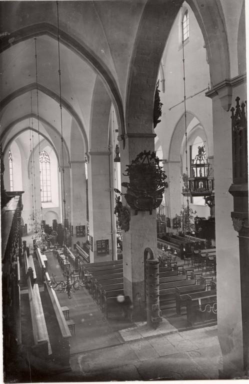 Tallinna Niguliste kiriku põhja-külglöövi vaade O-sse. Foto: Tartu Ülikooli Kunstiajalooline Fotokogu, A-94-554