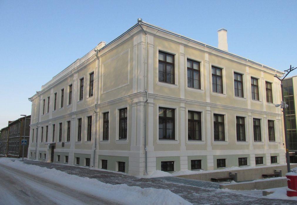 Võru kreiskooli hoone pärast restaureerimistöid. Foto Kersti Siim, 7.01.2016.