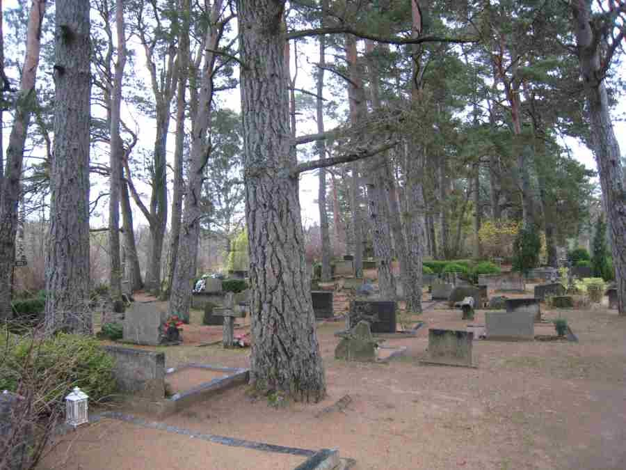 Püha kalmistu. Foto: Rita Peirumaa. Kuupäev  29.10.2008