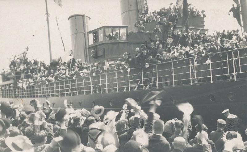 Laev, aurik-jäämurdja Suur Tõll Tallinna sadamas. Eesti Sõjamuuseum - Kindral Laidoneri Muuseum. KLM FT 911 F 911