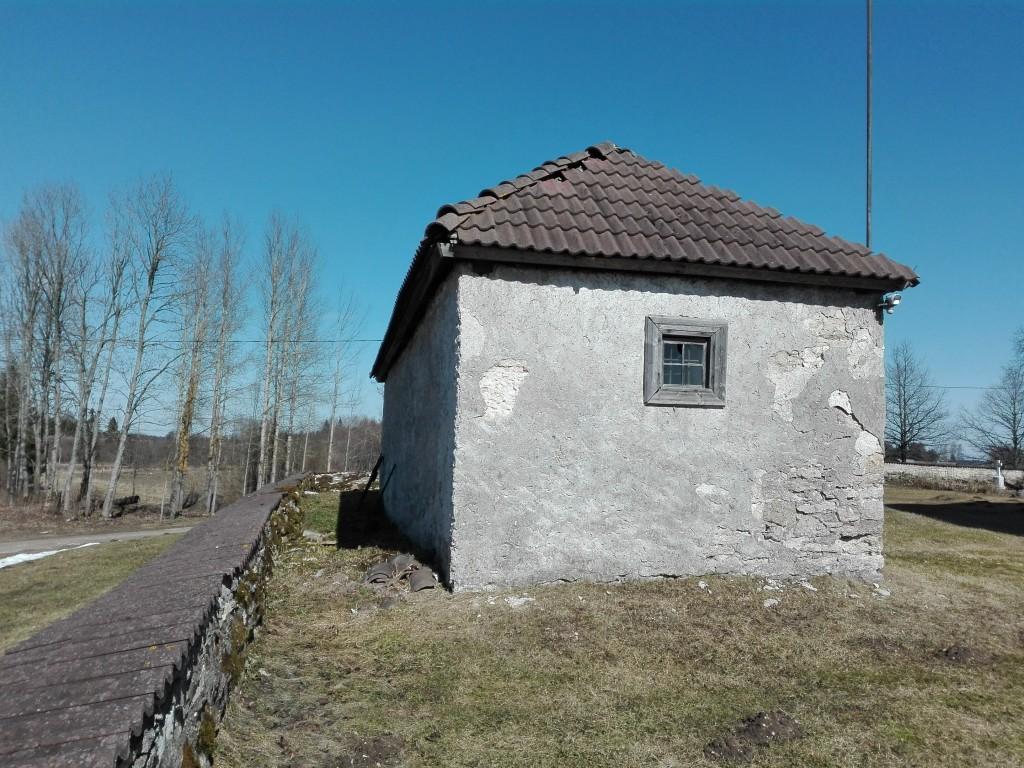Järva-Madise kirikuaia kabel, vaade lõunast. Foto: K. Klandorf 04.04.2016.