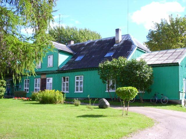Hoone loodekülg    Autor Kalli Pets    Kuupäev  16.09.2004