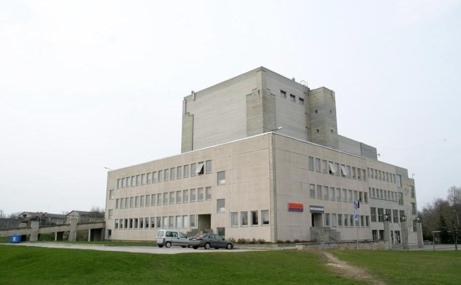 Paide kultuurimaja lõuna- ja idafassaad. Foto: Liina Hansen, 2010.