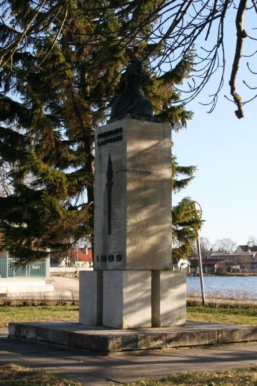 Laipmanni monument  Autor Tõnis Padu  Kuupäev  14.04.2007