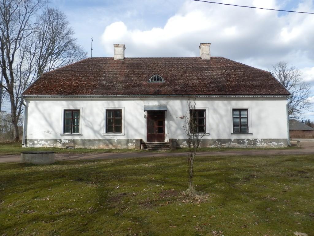 Õisu mõisa valitsejamaja eestvaade Foto Anne Kivi 21.04.2016