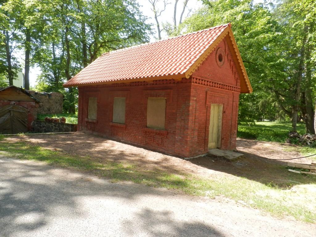 Polli mõisa koertemaja Foto Anne Kivi 25.05.2016