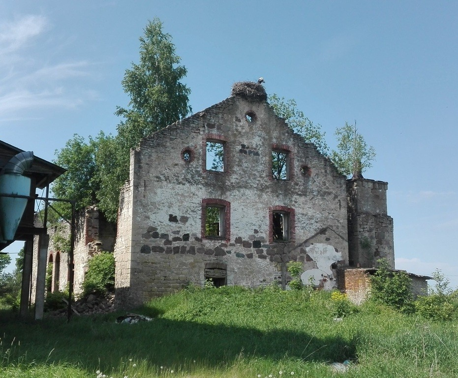 Käravete mõisa viinavabrik, vaade idast. Foto: K. Klandorf 02.06.2016.