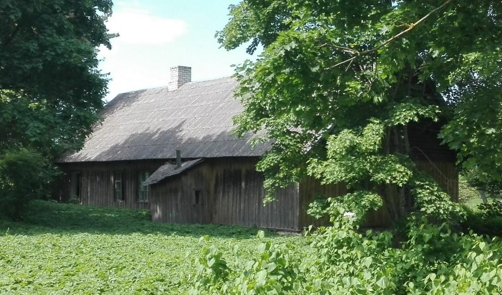 Käravete mõisa aednikumaja, vaade kagust. Foto: K. Klandorf 02.06.2016.
