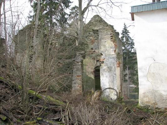 Pada mõisa viinavabrik :16034-vaade idast / paremal elamu/  Autor Anne Kaldam  Kuupäev  23.03.2007