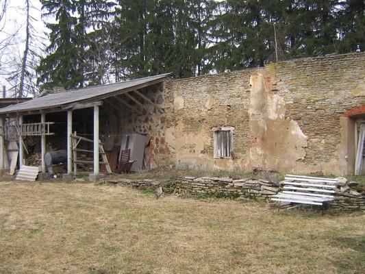 Pada mõisa kasvuhoone :16038 vaade lõunast keskmisele osale  Autor Anne Kaldam  Kuupäev  23.03.2007