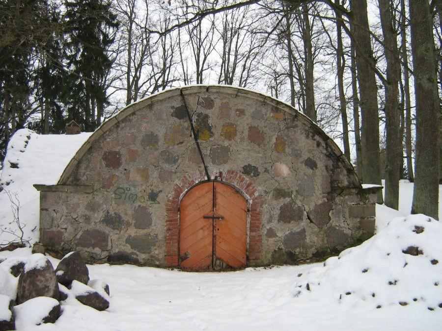 Olustvere mõisa kelder 3 Autor Anne Kivi  Kuupäev  29.01.2009
