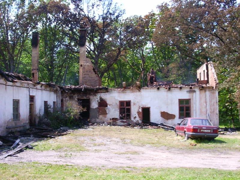 Polli mõisa valitsejamaja varemed Tulekahju  tagajärg  Autor Anne Kivi    Kuupäev  12.07.2004