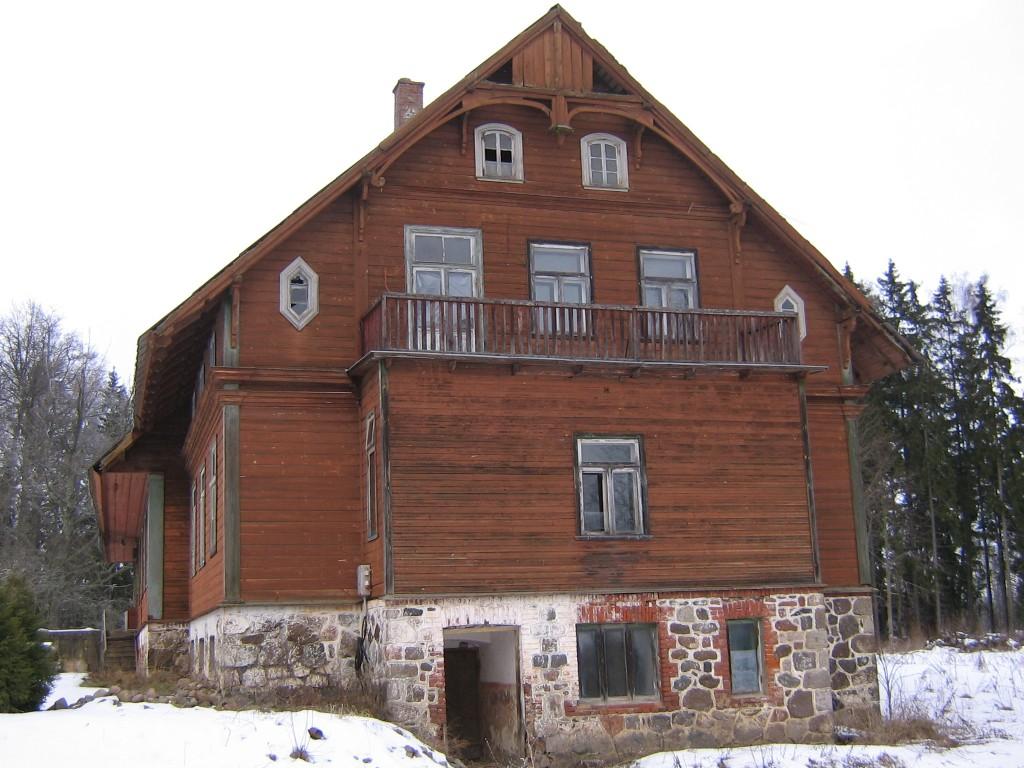 Otsavaade mõisahoonele.  Autor Viktor Lõhmus  Kuupäev  12.02.2009