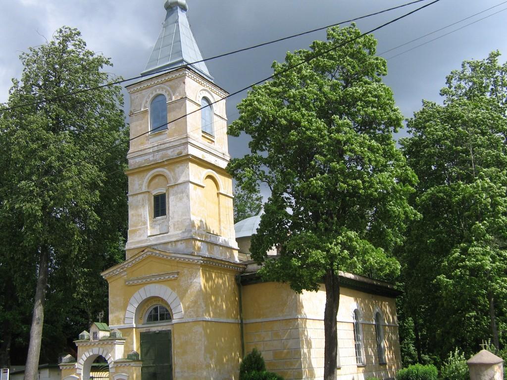 Vaade tänavalt pühakojale.  Autor Viktor Lõhmus  Kuupäev  13.06.2008