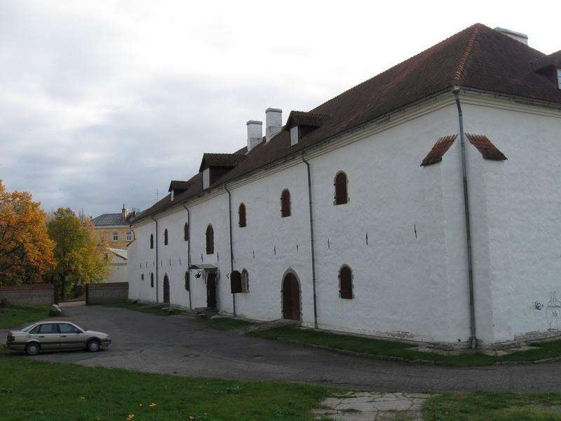 Magasiait Narvas Vestervalli t. 21, 18.saj.,1988  Autor Tõnis Taavet  Kuupäev  14.10.2008