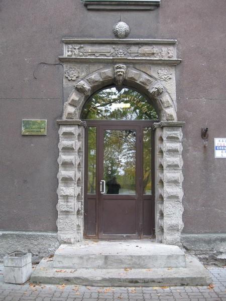 Elamu portaal Narvas Puskini t. 11, 17.saj.  Autor Tõnis Taavet  Kuupäev  14.10.2008