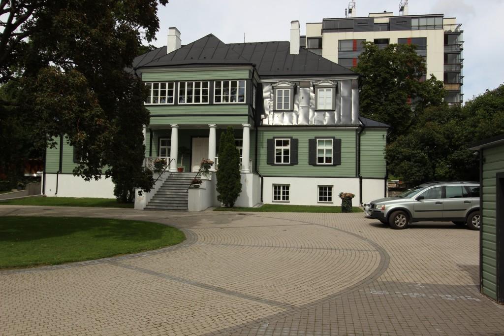 Maja, kus 1922-1940 elas Johan Laidoner. Esikülg. 10.08.2016. Foto: Timo Aava