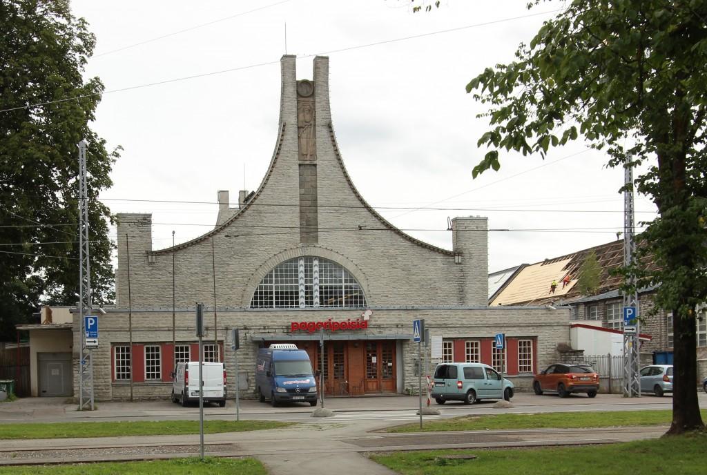 Lutheri vabriku rahvamaja fassaad. 10.08.2016. Foto: Timo Aava