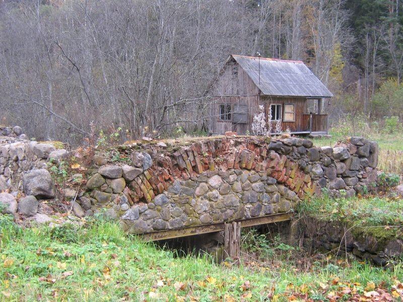 Vaade jõe poolt.  Autor Viktor Lõhmus 05.11.2008