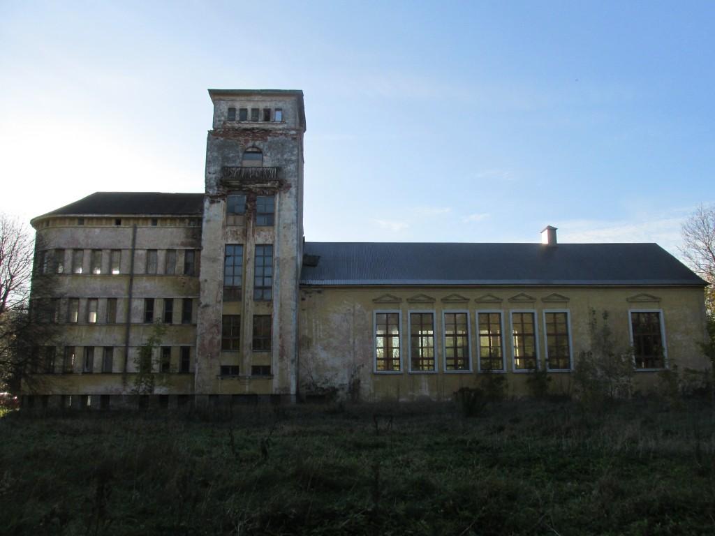 Kohtla-Järve koolihoone, 1938-1939. Vaade kirdest. Foto: Kalle Merilai 18.10.2016.a.
