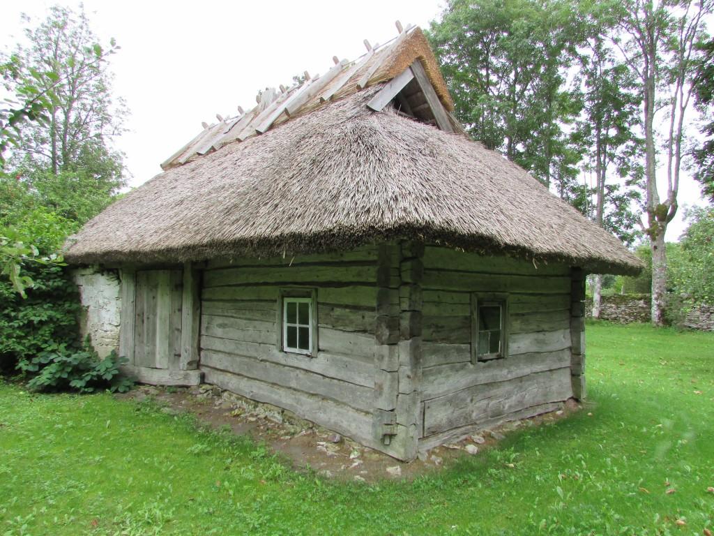 Mihklli talu sauna põhja- ja läänepoolne sein. Foto: K. Saks, 09.09.2016