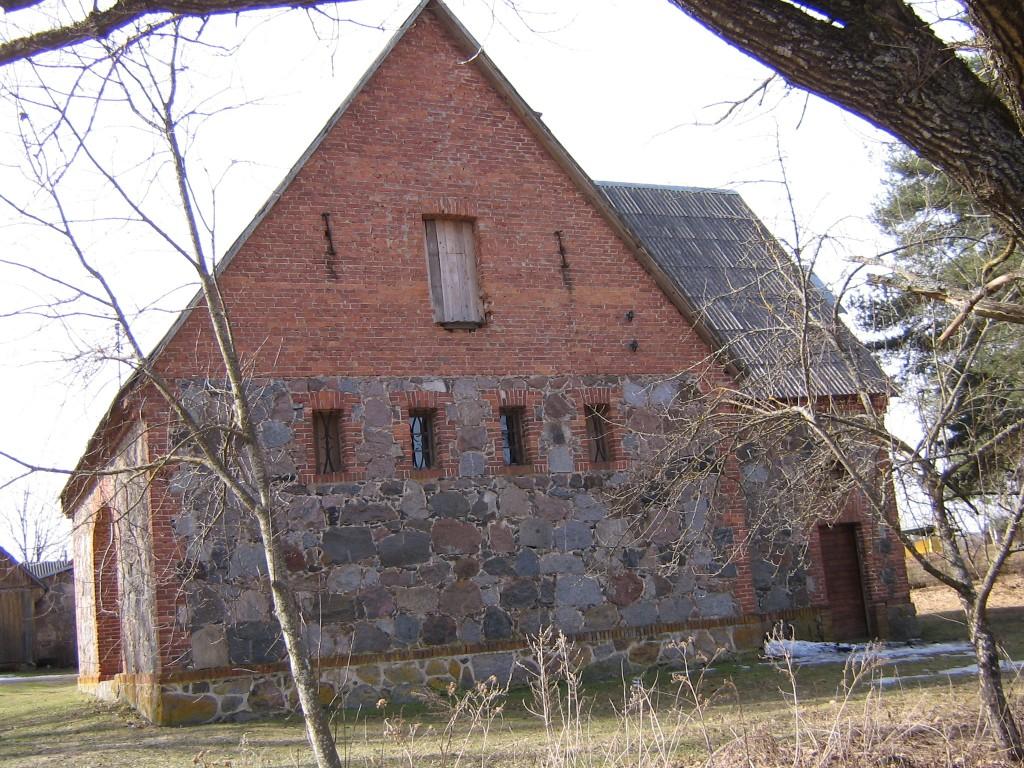 Vaade koolimaja poolsest küljest.  Autor Viktor Lõhmus  Kuupäev  09.04.2009