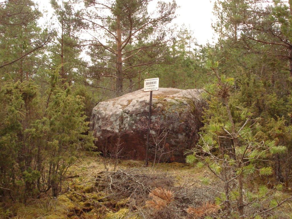 Vaade ohvrikivile kirdest. Foto: Karin Vimberg, 14.04.2009.