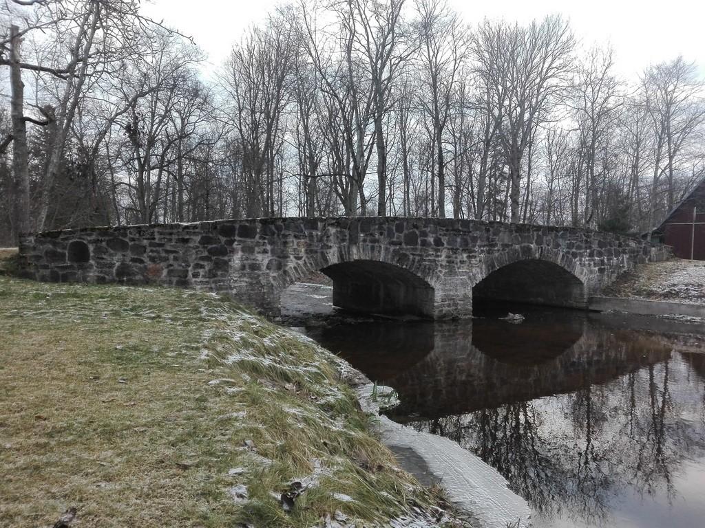 Albu mõisa sild, vaade loodesuunast. Foto: K. Klandorf 13.12.2016.