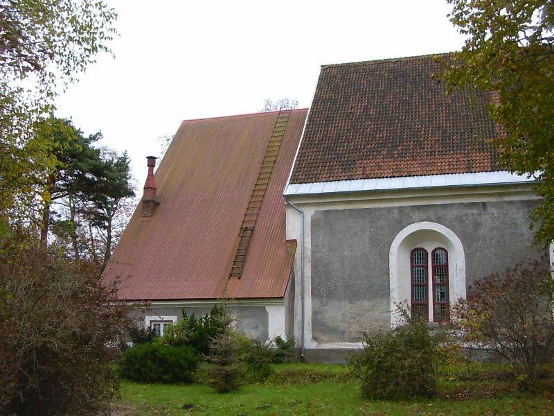 Kirikuaed ja kirik    Autor Tarvi Sits    Kuupäev  20.10.2004