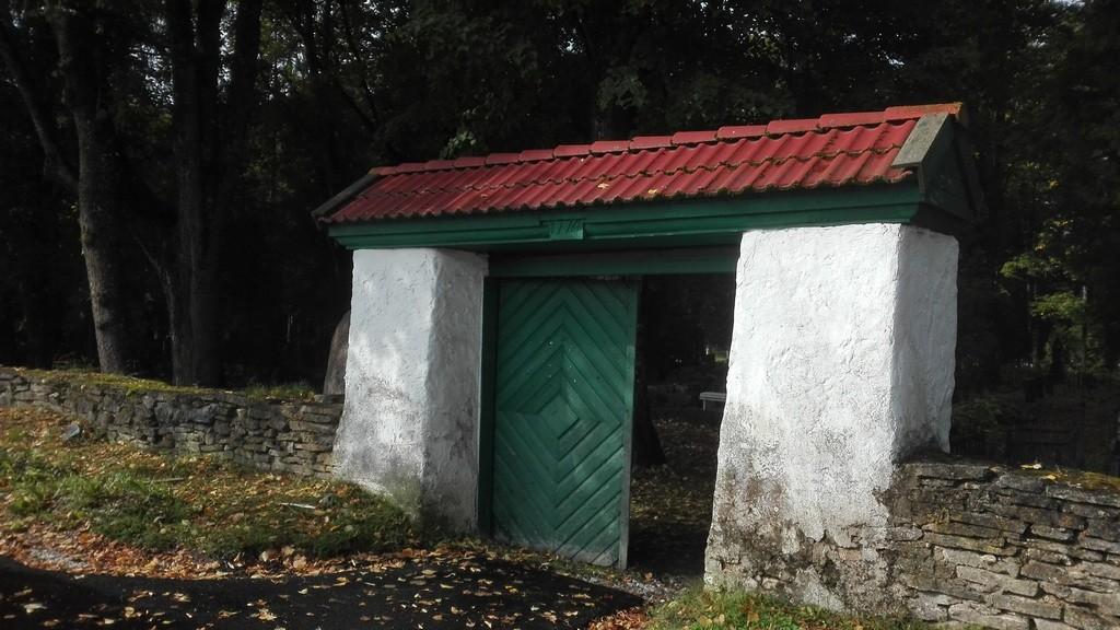 Paide Reopalu kalmistu vanema osa värav. Foto: K. Klandorf 21.09.2017.