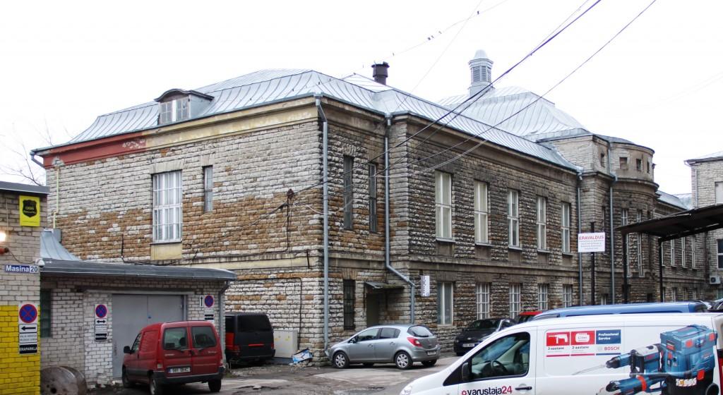 Tselluloosi- ja paberivabriku peakontor. Hoovikülg. November 2014