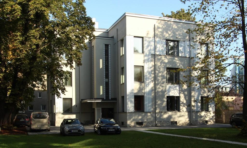 Elamu Narva mnt. 57. September 2017. Foto:  Timo Aava