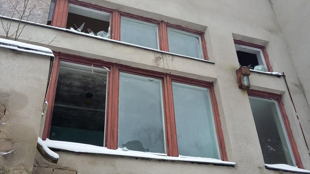 Põltsamaa kino Ülakorruse aknad. Vaade kagust Foto: Sille Raidvere  Aeg: 02.02.2018