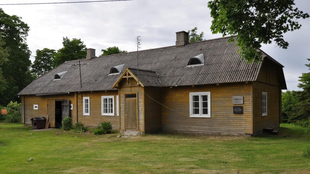 Kohvimäe talu elamu,19.saj. Vaade kagust. Foto: Kalle Merilai 06.06.2018.a.