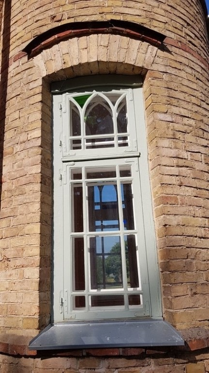 Lasila mõisa peahoone, torni aken. Foto: M.Abel, kp 27.07.18