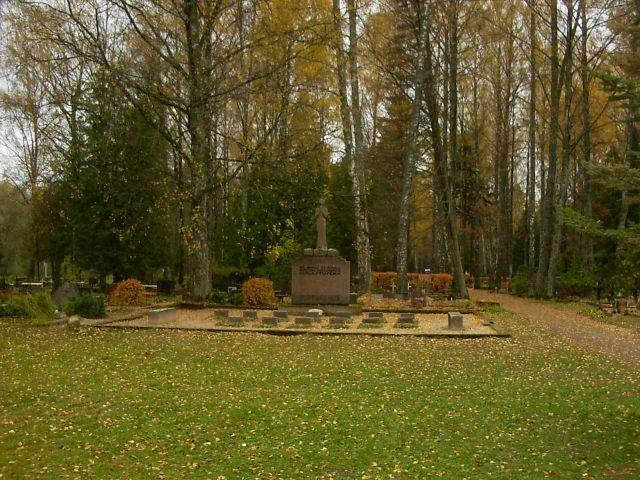 Tuleohvrite mälestussammas Saarde kalmistul    Autor Tarvi Sits    Kuupäev  11.09.2004