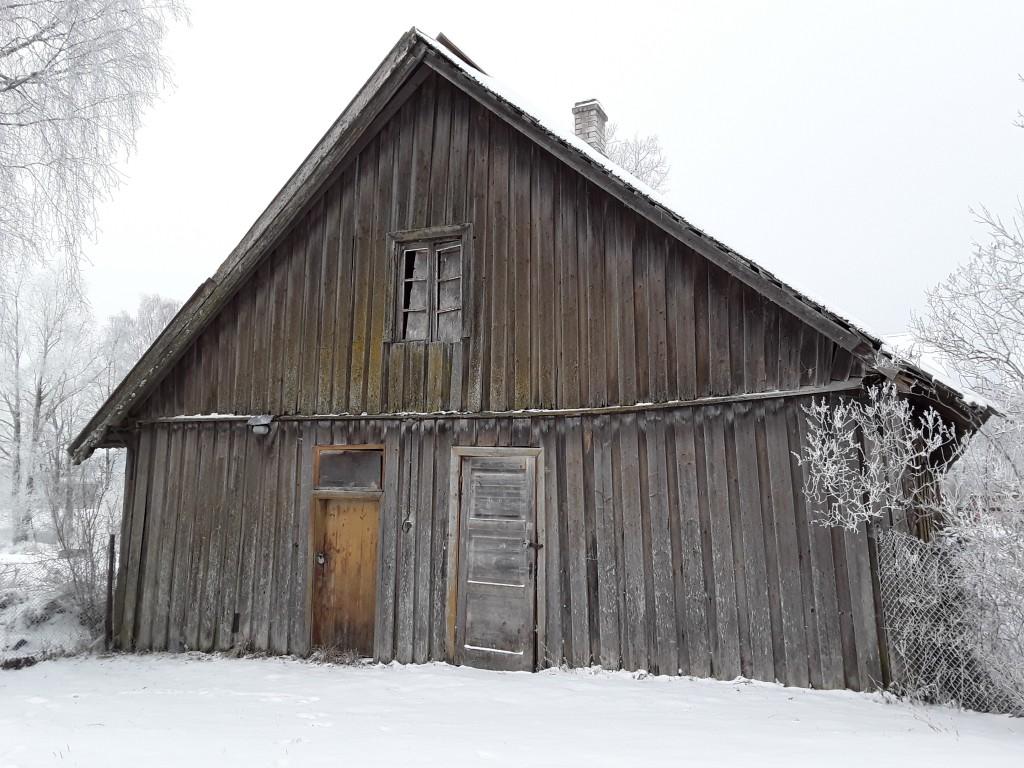 Jäneda mõisa valitsejamaja. Foto: Raili Uustalu 20.12.2018. Vaade hoone otsaküljele kirdest.
