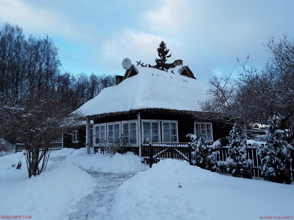 Lillebergi talu elamu. Foto: Raili Uustalu 03.01.2019. Vaade hoonele lõunast.