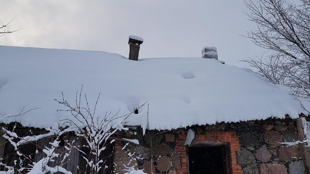 Vohnja mõisa sepikoda, põhjakülje katus. Foto: M.Abel, kp 14.01.2019