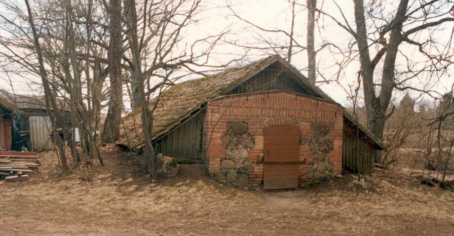 Karksi pastoraadi kelder Autor J.Vali    Kuupäev  28.11.1997