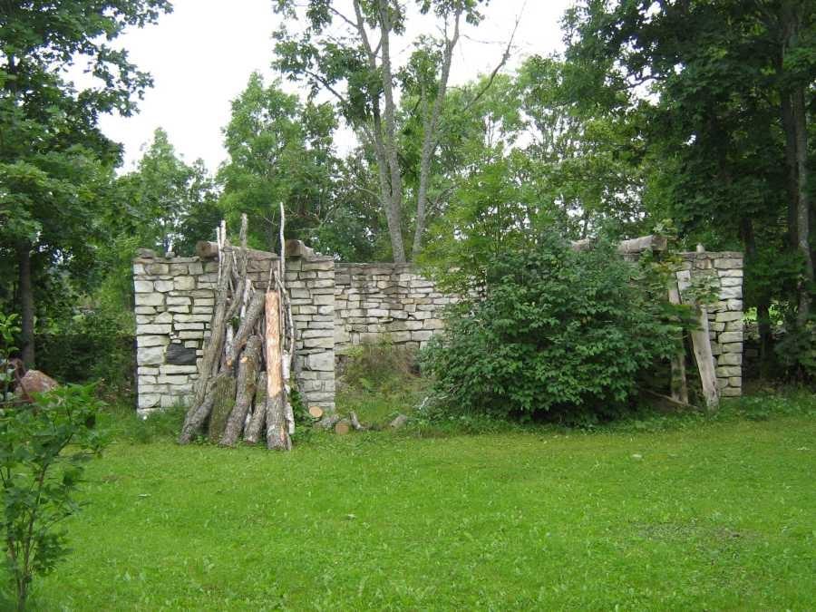 Jaagu talu sepikoja varemed.  Foto: M.Koppel, 2009