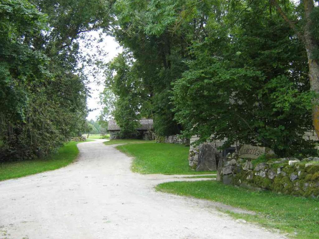 Viira külatänav. Foto: M. Koppel, 2009.