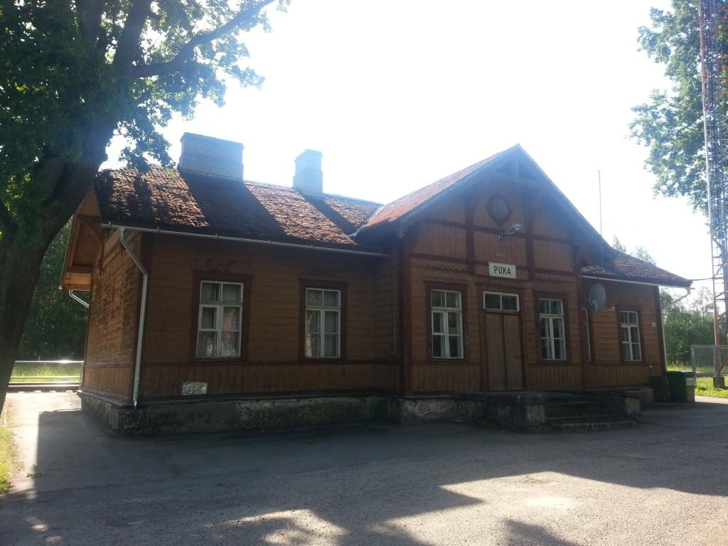 Puka raudteejaama peahoone. Foto Margis Sein 20.06.2019