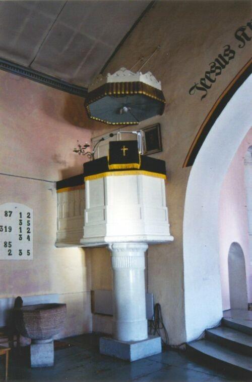 kantsel. Laurentiuse kirik. Foto: K.Tooming, 2002